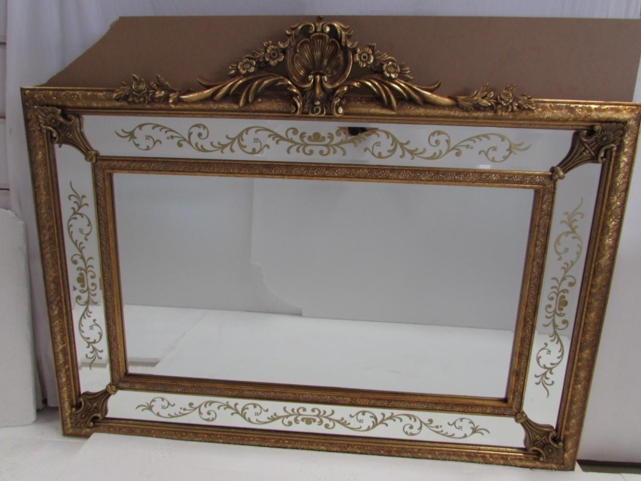 Espelho Retangular Com Moldura com Detalhe Em dourado - Frontier