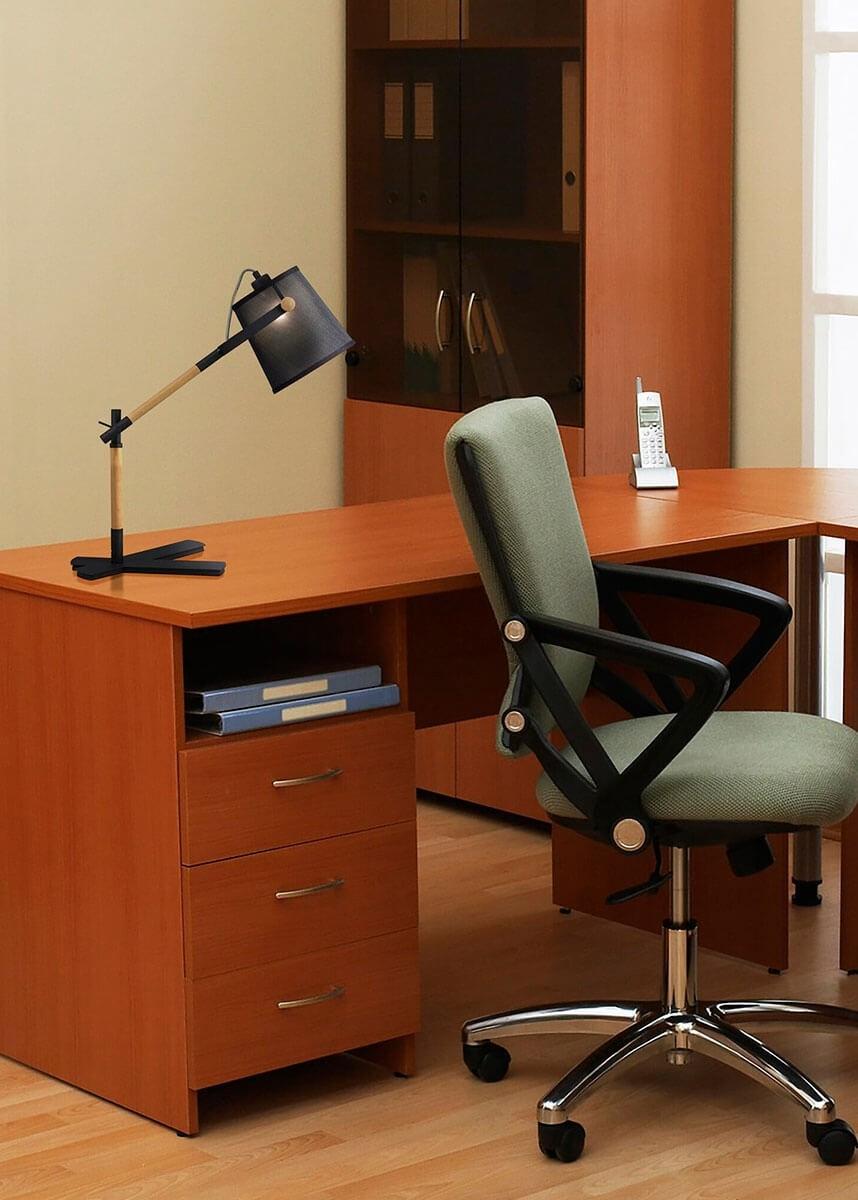 Luminária de Mesa de Metal Madeira PVC Preto 01 lâmpada Nordica Mantra