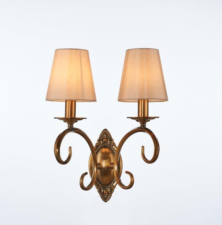 Arandela Alveiro Com Estrutura em Ouro Cobreado e Cúpulas de Seda 2 Lampadas - Tupiara