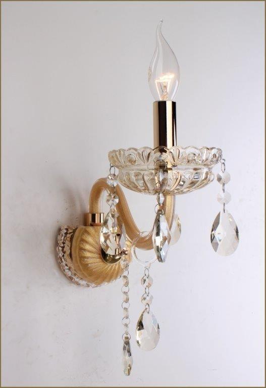 Arandela Com Estrutura em Metal ouro Vidro e Cristais Champagne Saint Marie 1 Braço - Tupiara