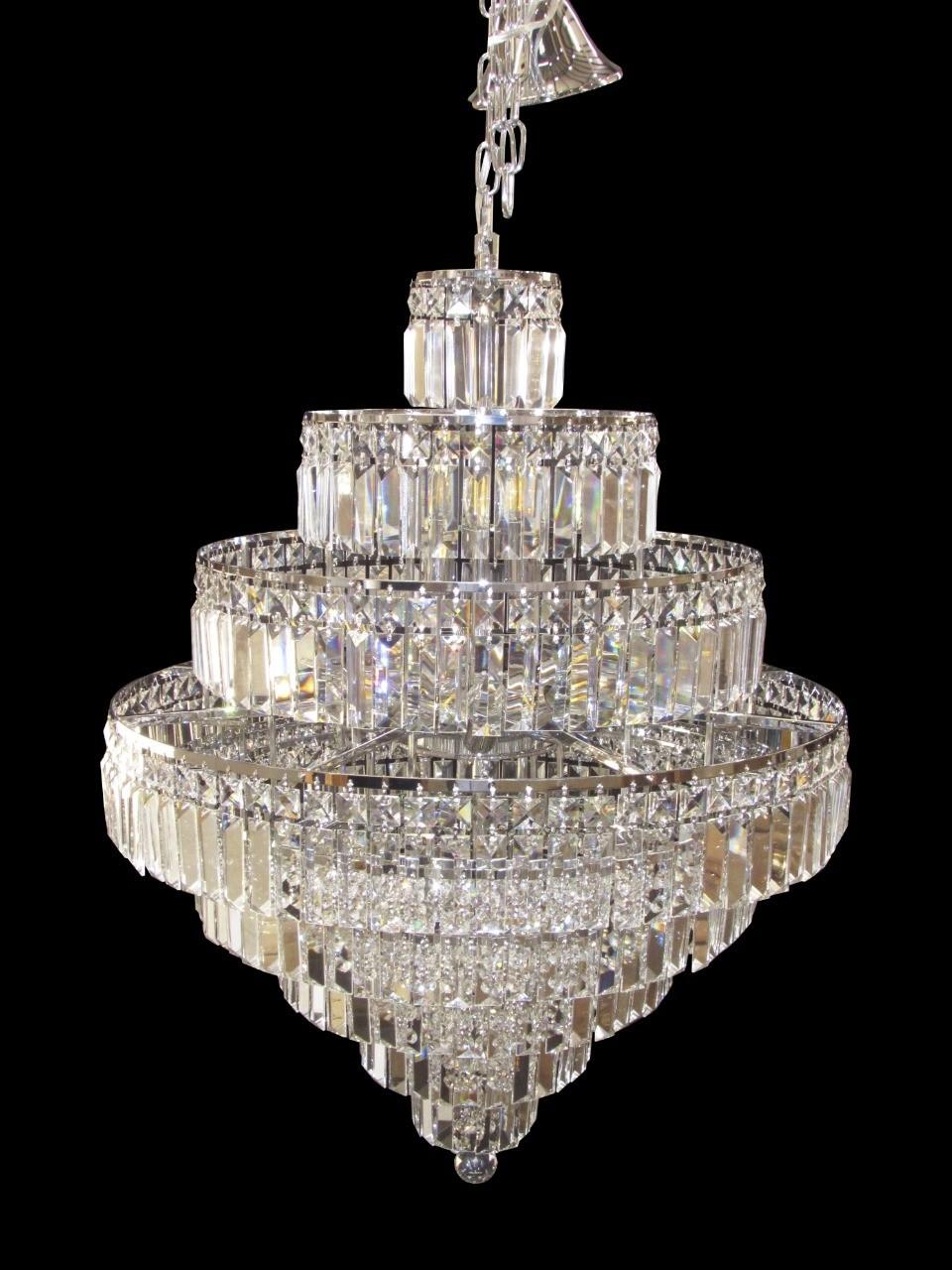 Lustre Imperial de Cristal Transparente e Estrutura Cromada 18 Lâmpadas - Frontier