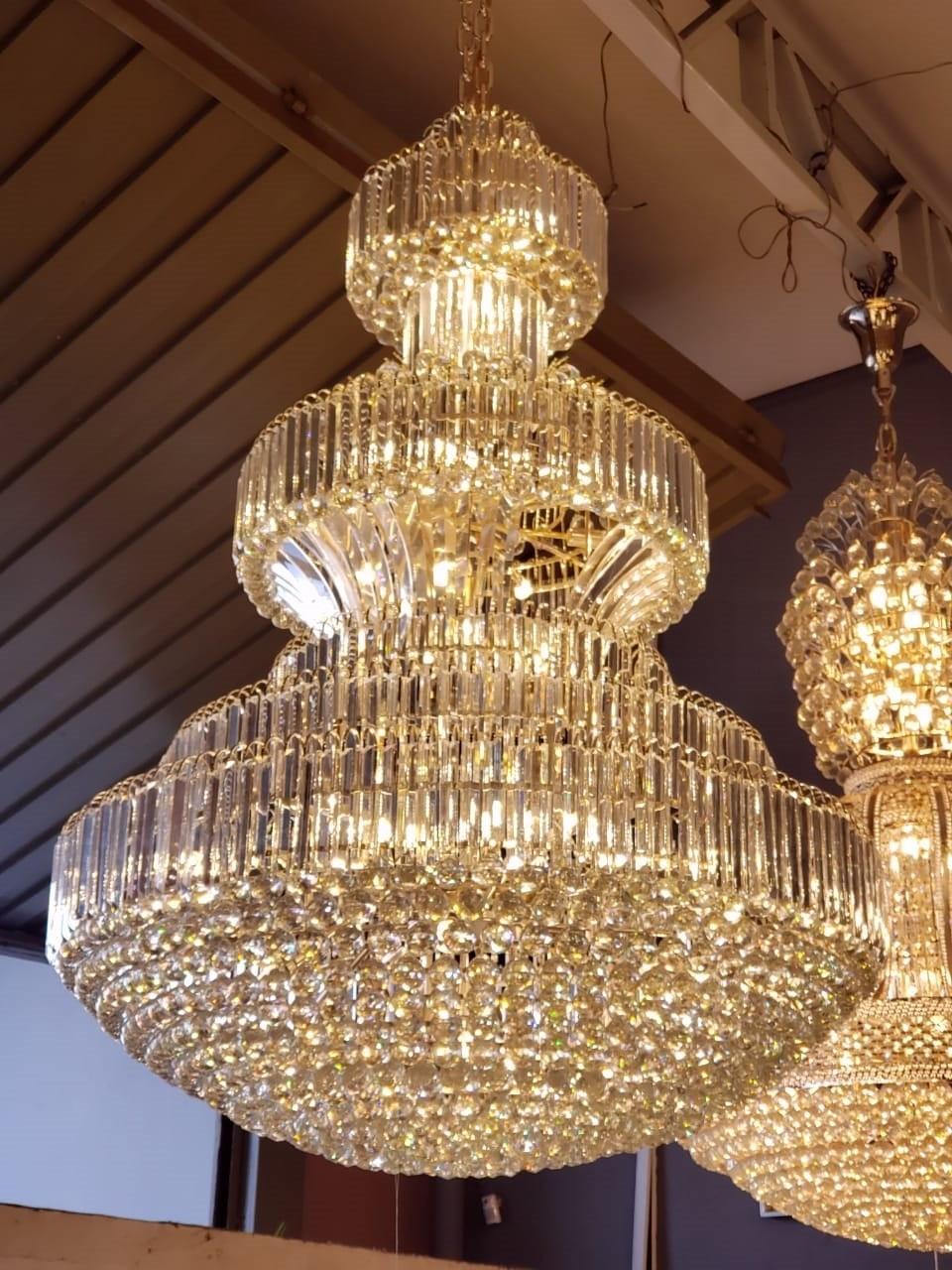 Lustre Imperial de Cristal Transparente e Estrutura Cromada 46 Lâmpadas - Frontier